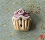Picture of Mauve Daisy Cup Cake